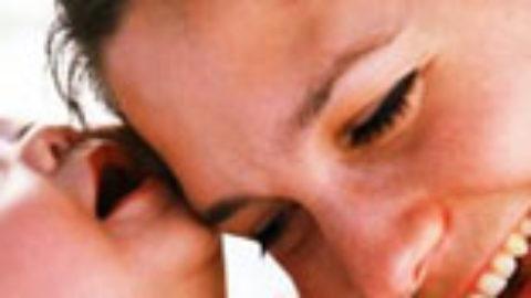 Παγκόσμια ημέρα κατά του AIDS: Η αντιρετροϊκή αγωγή σταματά την κάθετη μετάδοση από την μητέρα στο έμβρυο
