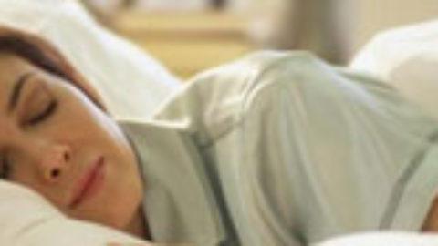 Μεγαλύτερο κίνδυνο για καρδιακή ανεπάρκεια διατρέχουν οι γυναίκες που κοιμούνται λίγες ώρες