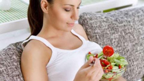 Διατροφή και τρόπος ζωής: Μάθετε πως επηρεάζουν τη γονιμότητά σας!