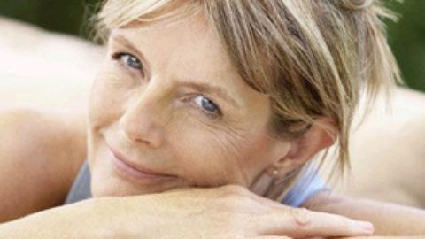 Εμμηνόπαυση: Τα έντονα συμπτώματα συνδέονται με αυξημένο κίνδυνο σοβαρής οστεοπόρωσης και κατάγματος ισχίου!